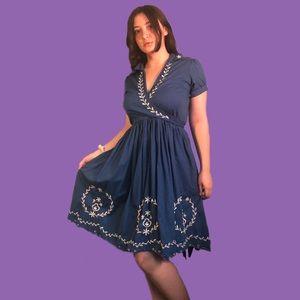 D2 branded beautiful blue vintage-like dress